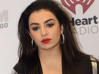 Charli XCX - 103.3 KISS FM Jingle Ball 2014 at Allstate Arena in Rosemont