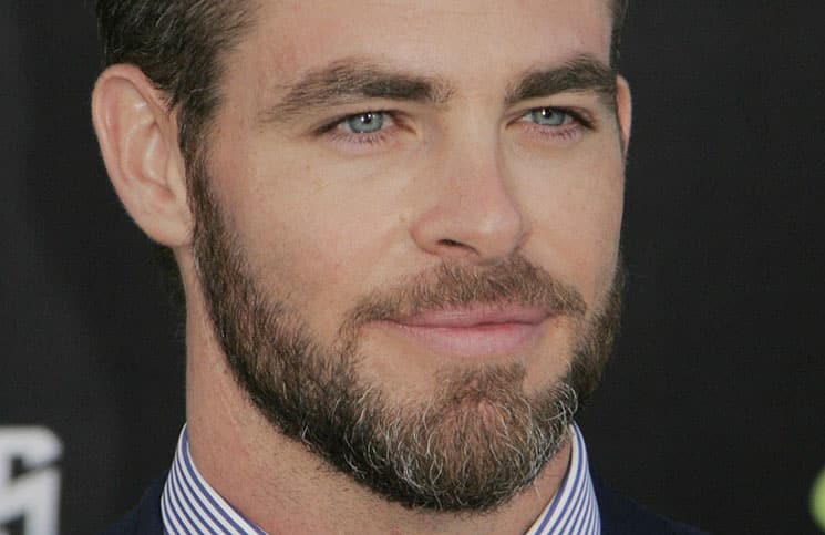 "Chris Pine über ""Jack Ryan 2"" - Kino News"