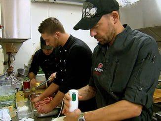 Von links: Kochprofi Ole Plogstedt, Koch Chris und Kochprofi Andi Schweiger