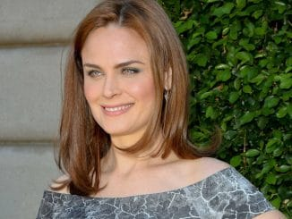 Emily Deschanel - 2013 Rape Foundation Brunch - Arrivals - Greenacres