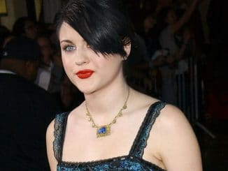 "Frances Bean Cobain - ""Twilight"" Los Angeles Premiere"