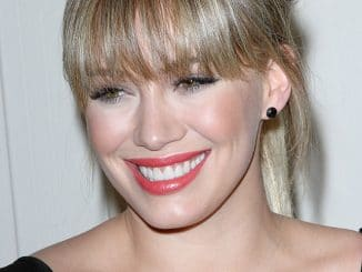 "Hilary Duff - Kimberly Snyder ""The Beauty Detox Solution"" Book Launch"