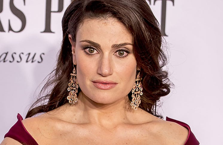 Super Bowl 2015: Idina Menzel singt Nationalhymne - Musik News