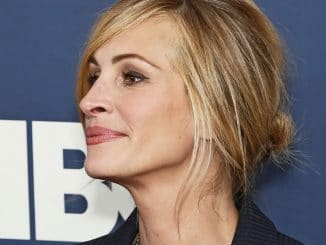 "Julia Roberts - ""The Normal Heart"" New York City Premiere"