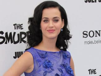 "Katy Perry - ""The Smurfs 2"" Los Angeles Premiere"