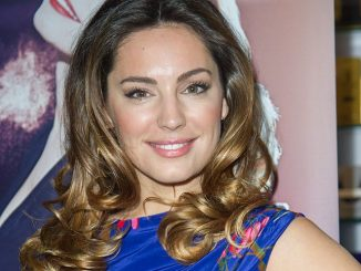 "Kelly Brook Launches ""Audition"" Perfume at Perfume Shop in London"