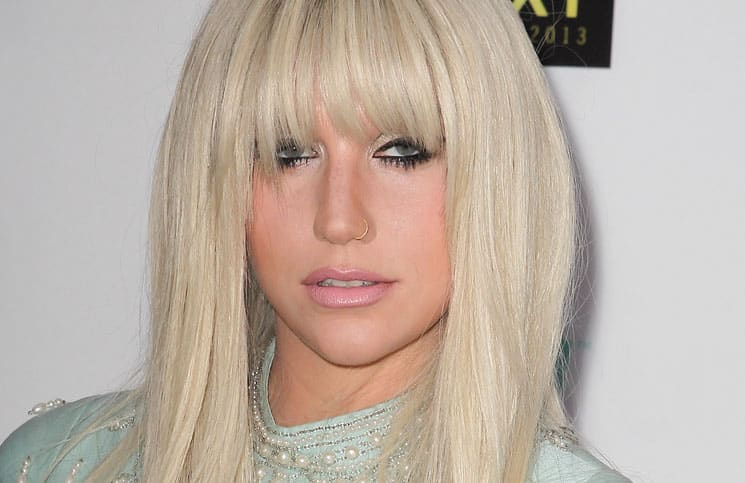 Kesha - 6th Annual Logo NewNowNext Awards
