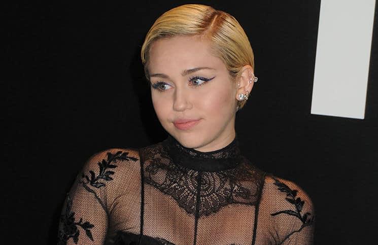 Billy Ray Cyrus erklärt Mileys Leidenschaft für Musik - Promi Klatsch und Tratsch