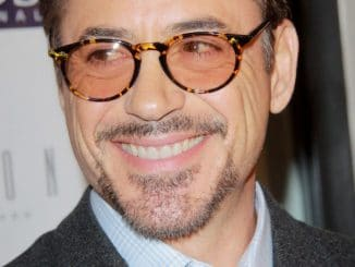 "Robert Downey Jr. - Mending Kids International ""Four Kings & An Ace"" Celebrity Poker Tournament"