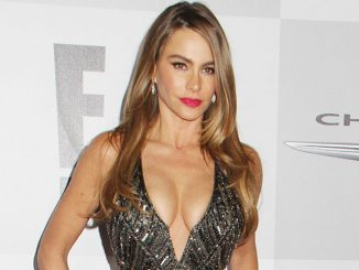 Sofia Vergara - 71st Annual Golden Globe Awards