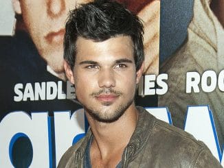 "Taylor Lautner - ""Grown Ups 2"" New York City Premiere"