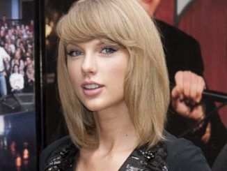 """Taylor Swift - """"Late Show with David Letterman"""" - October 28, 2014"""